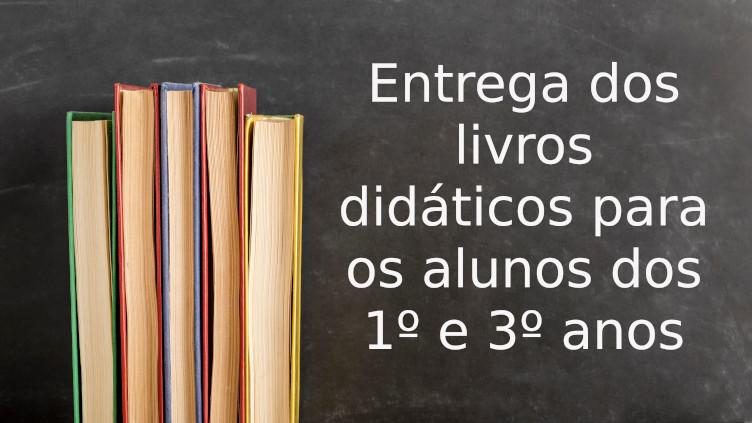 Ensino Médio: entrega de livros didáticos